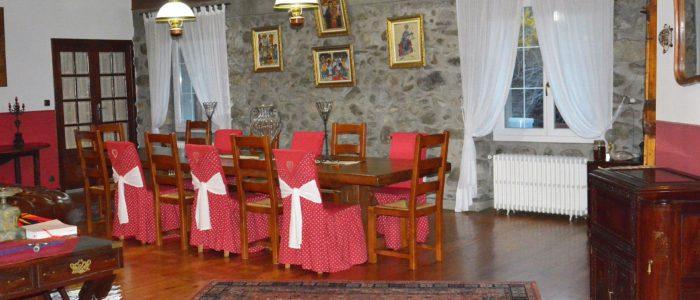 Salle a manger les forges d'enfalits chambres d'hotes tarascon sur ariege pyrenees occitanie